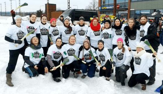 Kokeile sinäkin - Swans kävi viime talvena Jyväskylän Snow Rugbyssa pöllyttämässä lunta ja heiluttelemassa purjoja. <br> Snow Rugby järjestetään taas helmikuussa 2016, tuu mukaan!